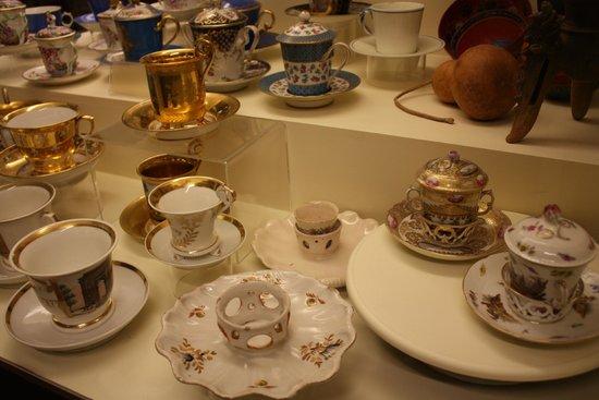 Choco-Story - The Chocolate Museum : Tazze d'epoca