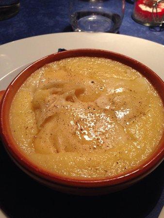 Ristorante La Stalla: Antipasto polenta con formaggio Stica