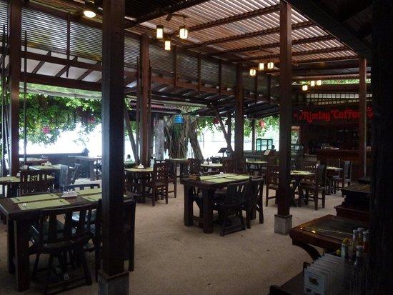 Sunrise Tropical Resort : The restaurant