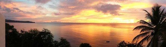 Windjammer Landing Villa Beach Resort: Windjammer sunset from Villa 2 terrace