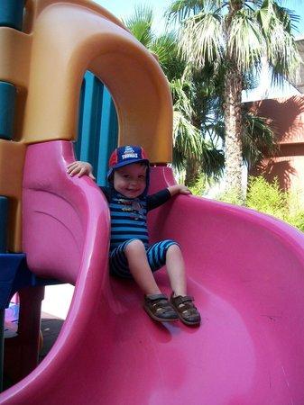 Fuengirola Beach Aparthotel: children play area/slide