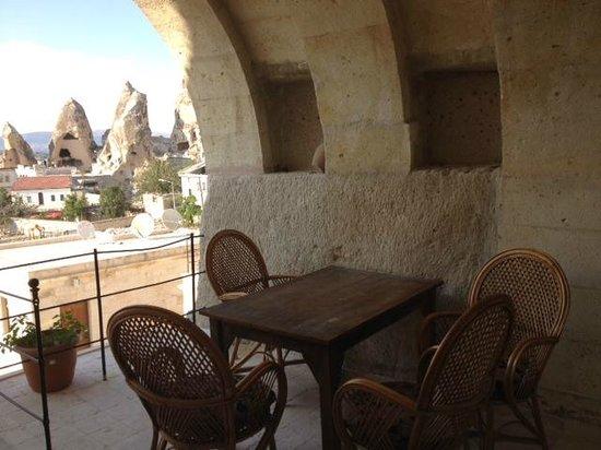 Spelunca Cave Suites: terrazza della camera
