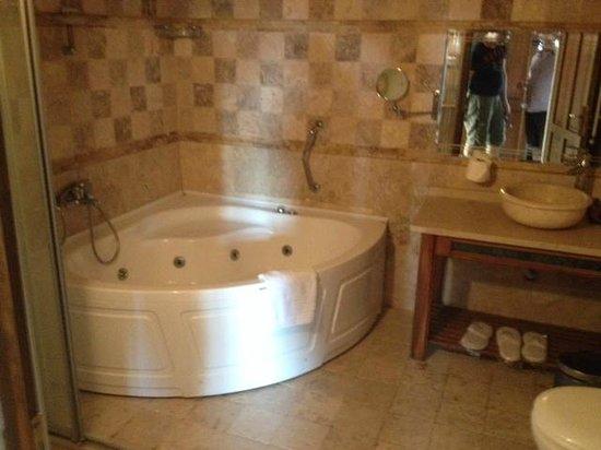 Spelunca Cave Suites: bagno