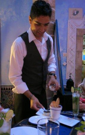 O'Bleu Mogador: Waitor Salam, always with a smile
