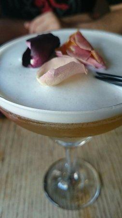 Nudo Noodle House: Lavender lady cocktail