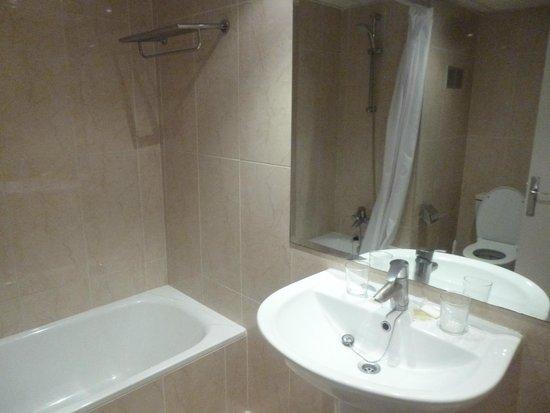 Hotasa Hotel Samoa: Une salle de bain fonctionnel
