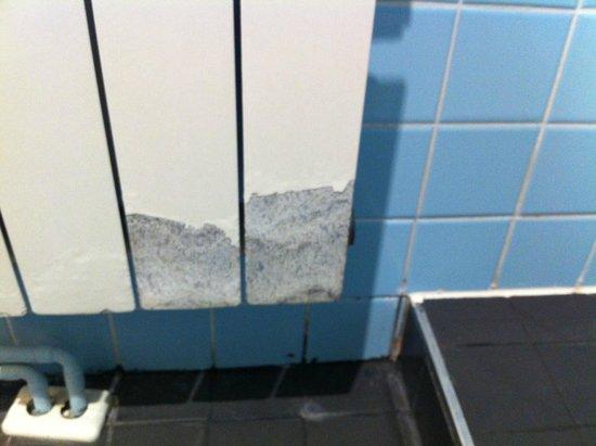 Chic & Basic Ramblas: Horrible bathroom