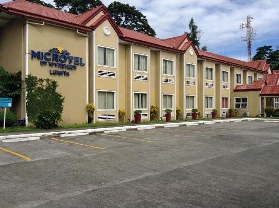 Microtel by Wyndham Tarlac : microtel luisita