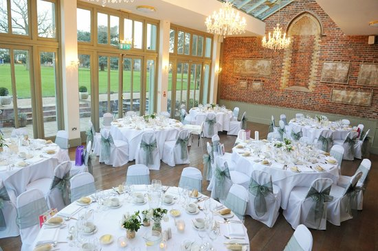 Offley Place Country House: Conservatory set up for wedding breakfast