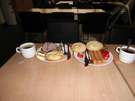 Ibis Budget Katowice Centrum: śniadanie