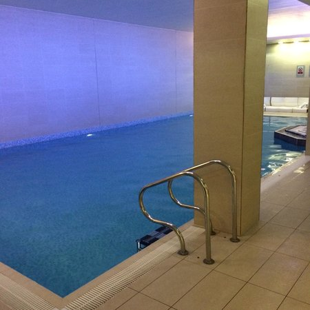 Lingfield Park Marriott Hotel & Country Club: Pool (1.2 meters deep)