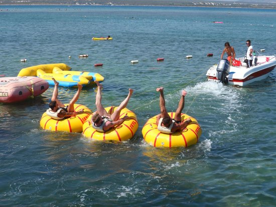 Venosa Beach Resort & Spa: Watersports on the beach