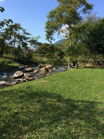 Hotel Pousada Bambuzal: Rio Sana Dentro da Pousada
