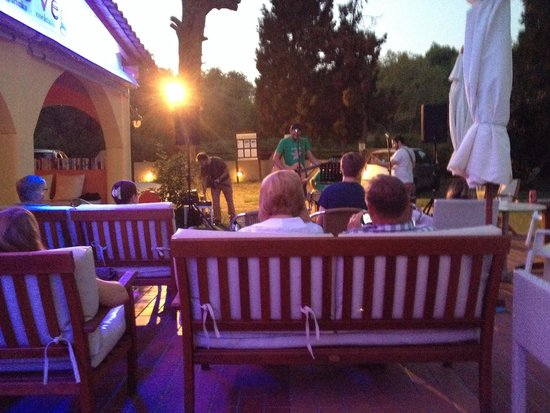 Byzantium Apartments: The band after BBQ