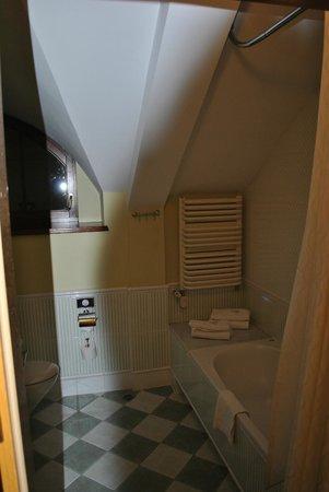 Maltanski Hotel: ванная
