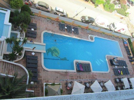 Tropic Park: Vista piscina dal balcone