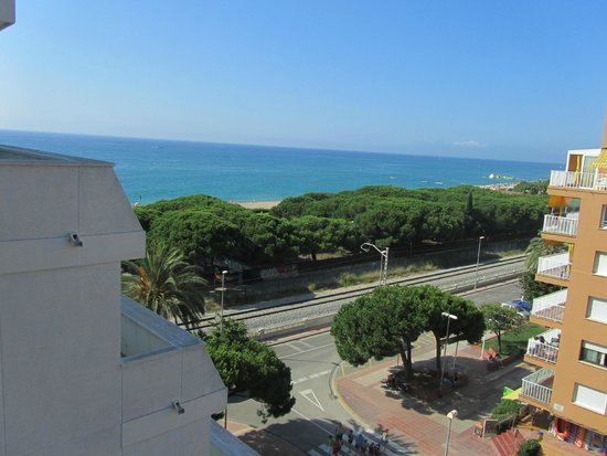 Tropic Park: Vista mare dal balcone in camera