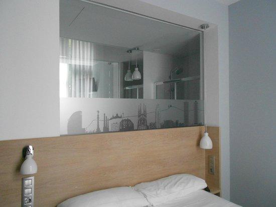 Hotel Sant Agusti: camera e bagno
