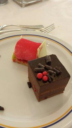 Iberostar Bouganville Playa: Desserts to die for!