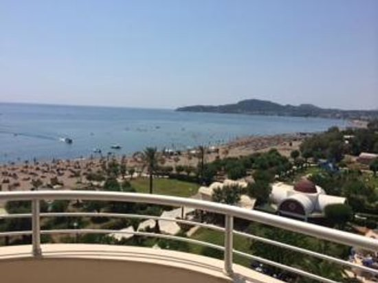 Pegasos Beach Hotel : Вид из номера Deluxe Sea View, новое здание