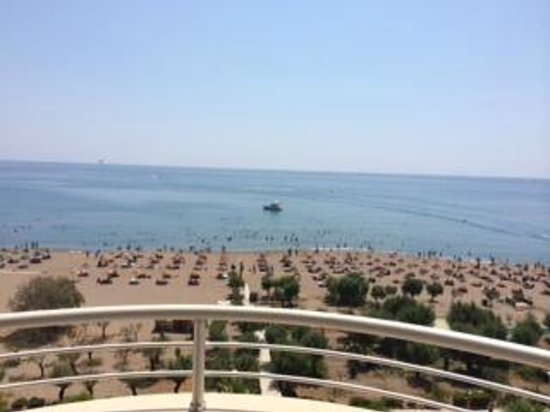 Pegasos Deluxe Beach Hotel: Вид из номера Deluxe Sea View, новое здание