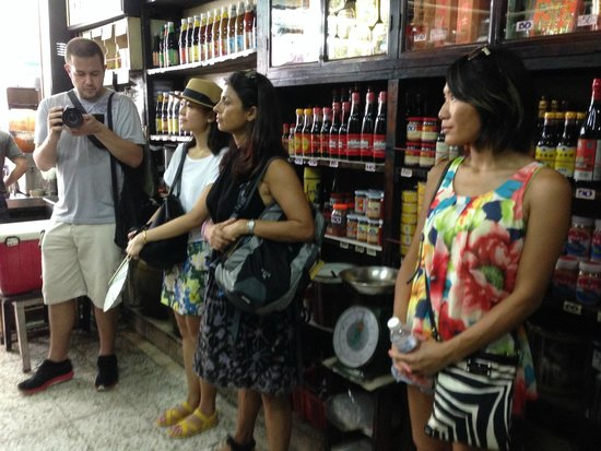 Taste of Thailand Food Tours: Ready for our healthy drinks :)