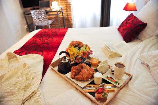 Hotel des Arts : Notre petit-déjeuner fraîcheur...