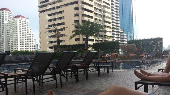 Rembrandt Hotel Bangkok : piscina