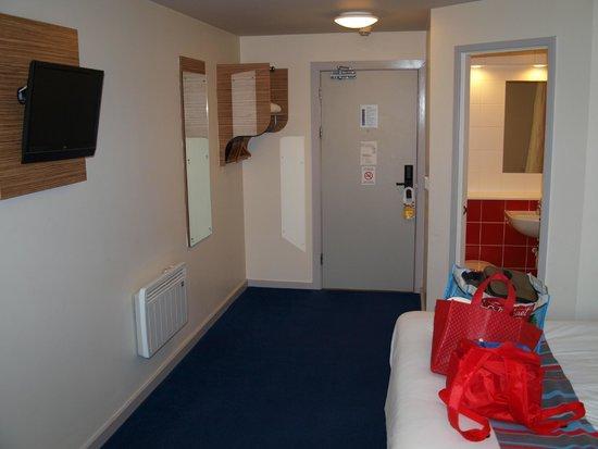 Travelodge Stratford Upon Avon: room