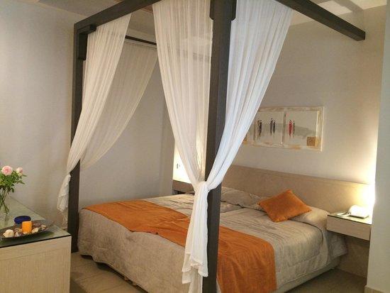 Nissaki Beach Hotel Naxos: Chambre confortable, propre et moderne