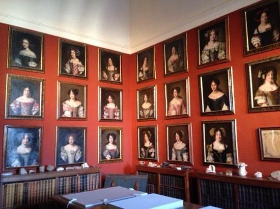 Palazzo Chigi di Ariccia : i ritratti delle belle