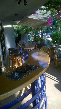 Galaxy Hotel: Bar