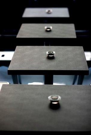Ampersand Design Cafe: tables
