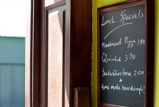 Ampersand Design Cafe: lunch