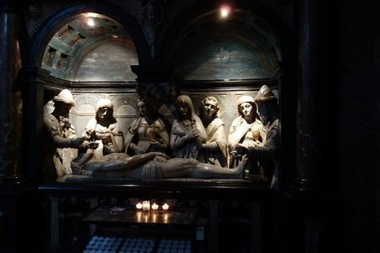 Kathedrale St. Michael und St. Gudula: dark and spookie