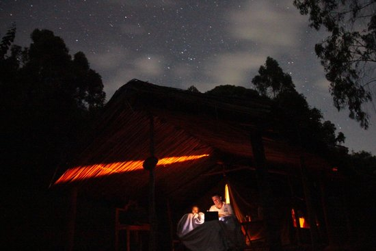 Bushara Island Camp: cloudy night, but still...