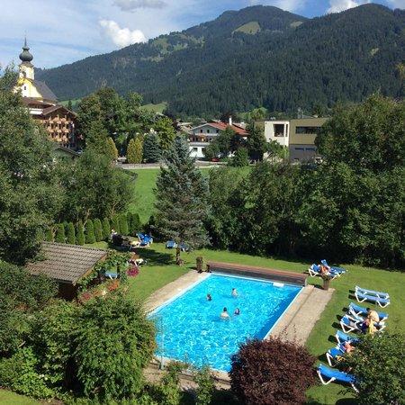 Hotel Tyrol am Wilden Kaiser: View from balcony