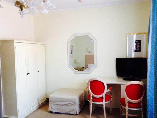 Hotel Gardena: Twin room (2nd floor)