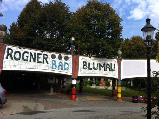 Rogner Bad Blumau: Entrance to hotel reception
