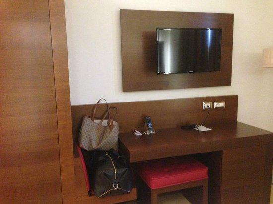 Hotel Il Gentiluomo: La tv a parete