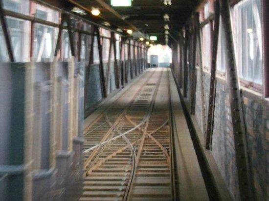 Zeche Zollverein Essen: Fahrt mit dem Schrägaufzug zum Beginn der Ausstellung