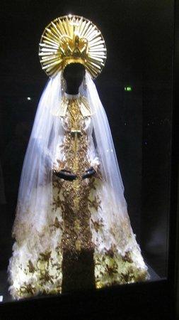 Opéra Garnier : Costume de la prêtresse, Aïda de Verdi
