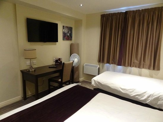 Premier Inn Manchester (Denton) Hotel: Chambre