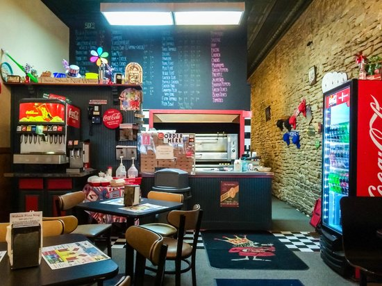 Pizza King Wabash Interior & Counter
