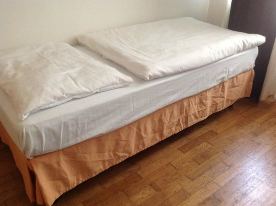 Hotel Leon D'Oro: letto 1