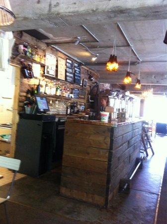 Bec Jaune Brewery: Bar