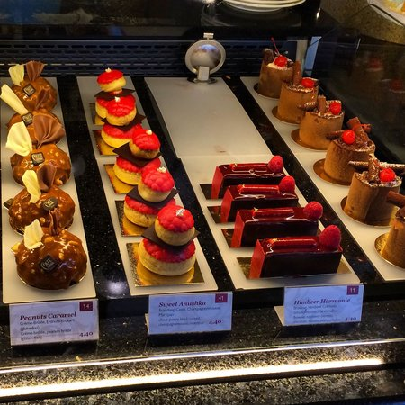Cafe Central : The cakes are delicious!!!❤️❤️❤️