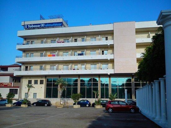 Hotel Toboso Almuñecar: Parte trasera, vistas a la montaña.
