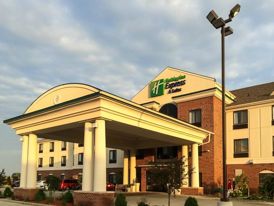 Holiday Inn Express Hotel & Suites Lafayette East: Front on a Mid Summer's Evening