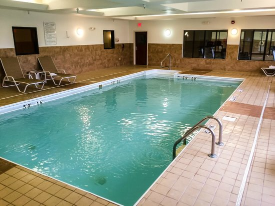 Holiday Inn Express Hotel & Suites Lafayette East: The Very Popular Pool